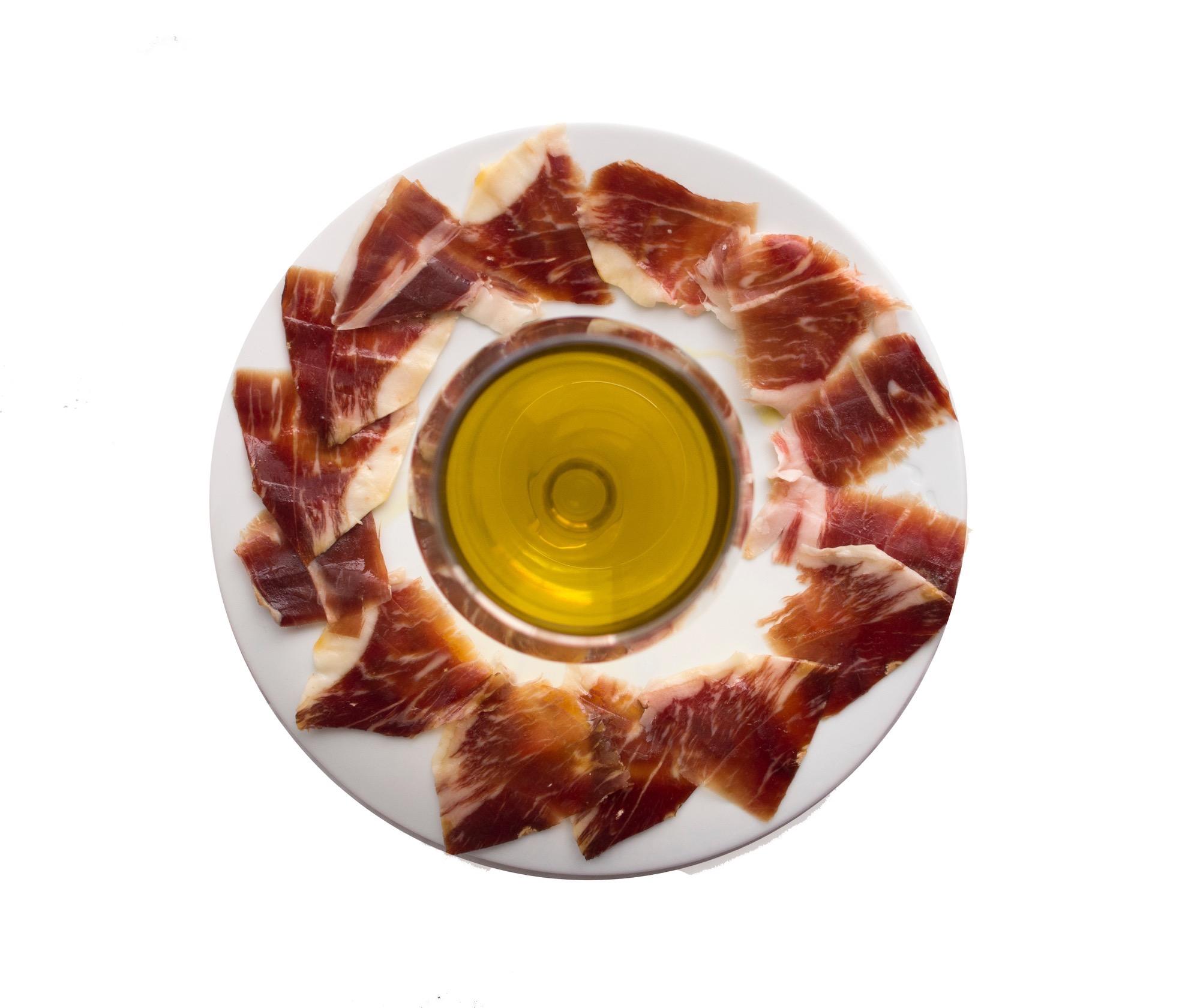 Plato de jamón con aceite de hermanos pulido varo